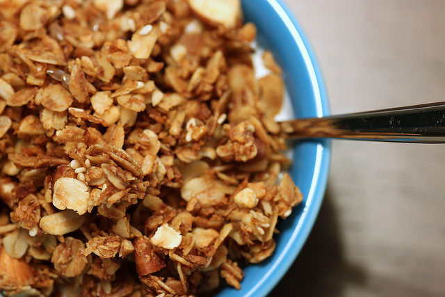 Homemade lowfat granola