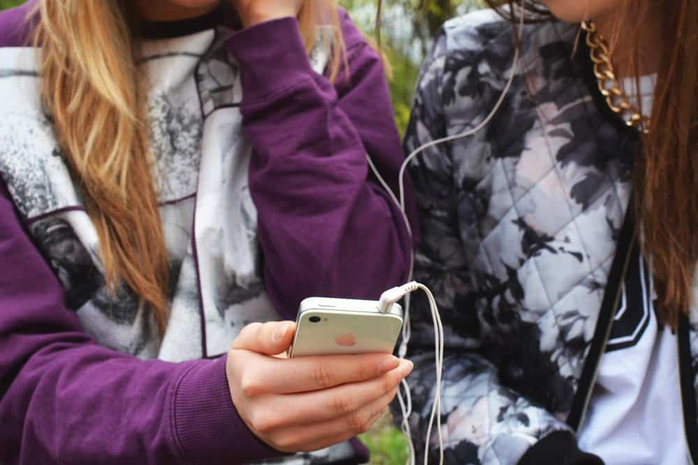 tween ready for a cell phone