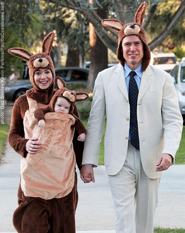 Kangaroo Family Halloween Costume Alyson Hannigan