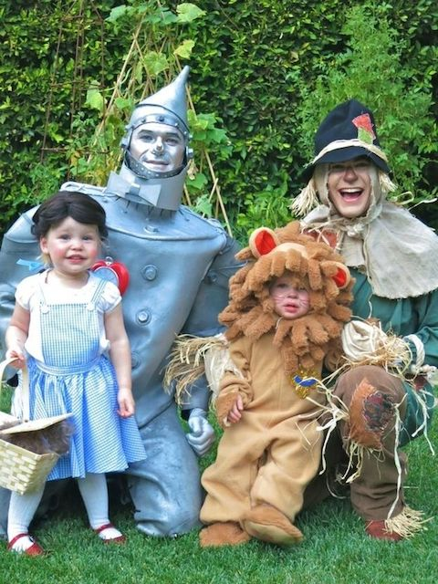 Neil Patrick Harris Wizard Of Oz Family Halloween Costume