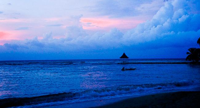 HalfMoon_Resort_Sunset