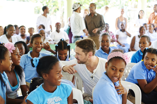 P&G Clean Water - Jason Priestley 1