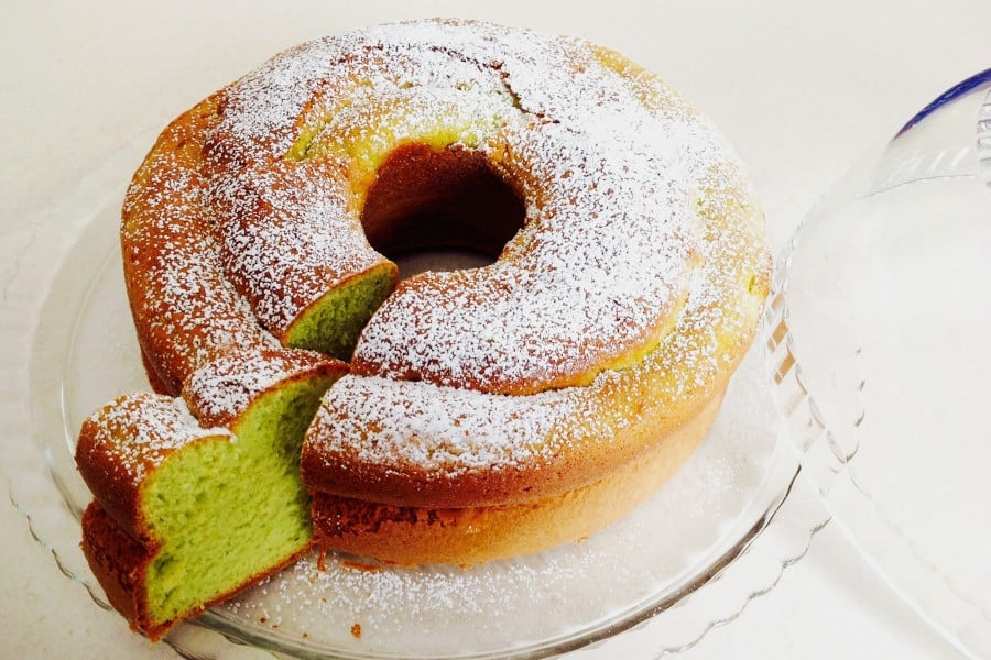 Magically Delicious Green Pistachio Cake