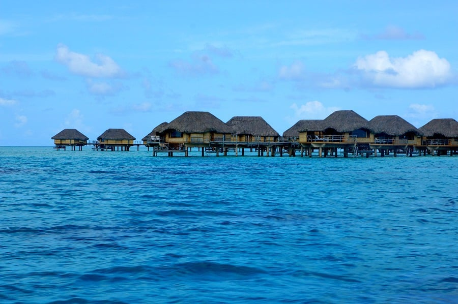 le-tahaa-over-water-bungalows