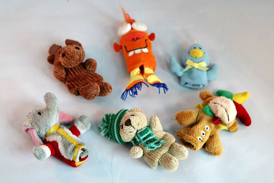 finger-puppets-for-airplane-travel