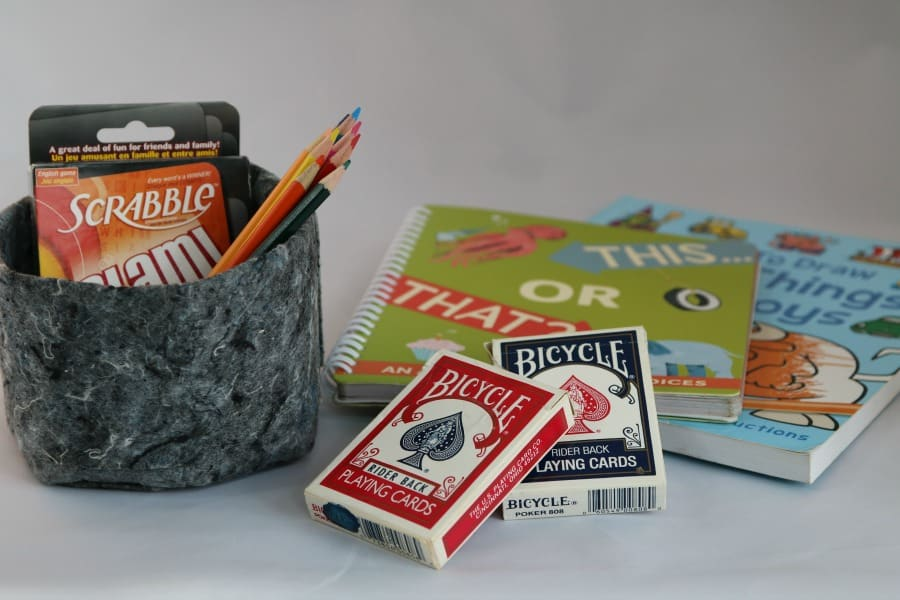 games-and-books-for-travel