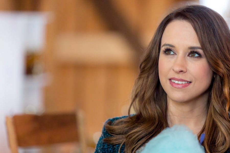 lacey-chabert-parenting