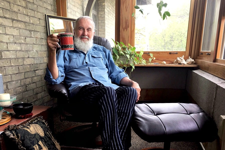 fred-penner-in-his-sunroom