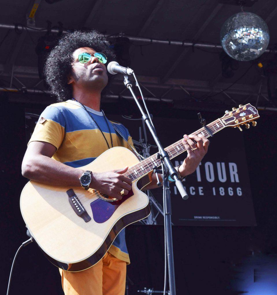 Roots & Blues Festival guitarist