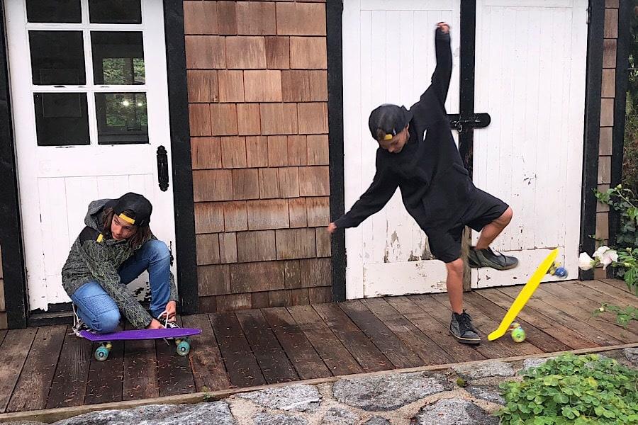 Skater kids Zapped