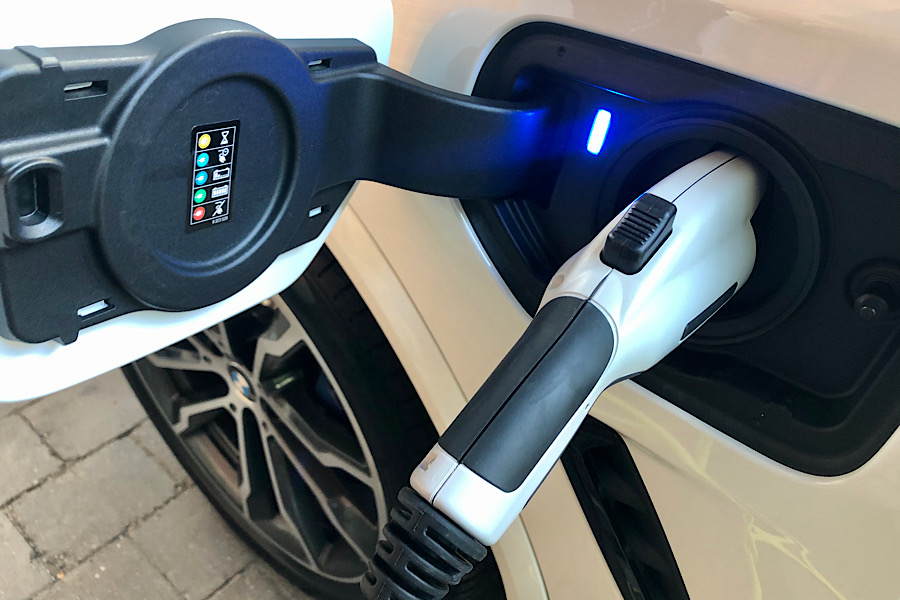 Charging the BMWX3e